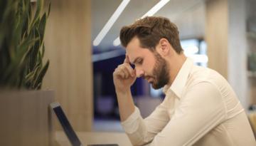 Cuidado de ojos: qué hacer cuando pasamos muchas horas en el ordenador